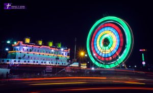Long Exposure Gaint Wheel + Traffic